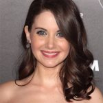 Alison Brie Height, Weight, Age, Boyfriends, Husband, Family, Biography & More