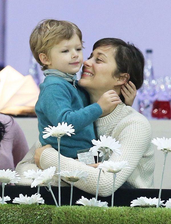 Marion Cotillard Height Weight Age Boyfriend Family