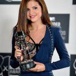 selena gomez winning at MTV Awards