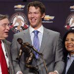 Clayton Kershaw receiving Roberto Clemente Award