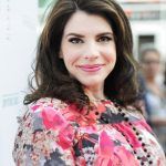 Stephenie Meyer Age, Husband, Biography, Family, Facts, Net Worth & More