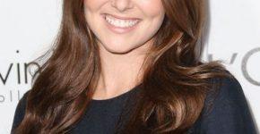 Zoey Deutch profile