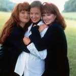 Ashley Judd (Center) With Her Mother (extreme right) and Sister Wynonna