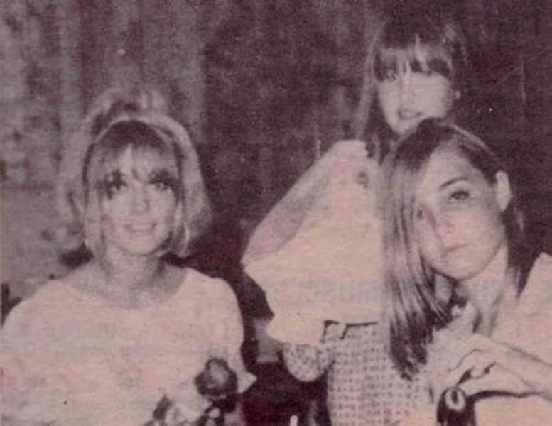 Sharon Tate With Her Sisters