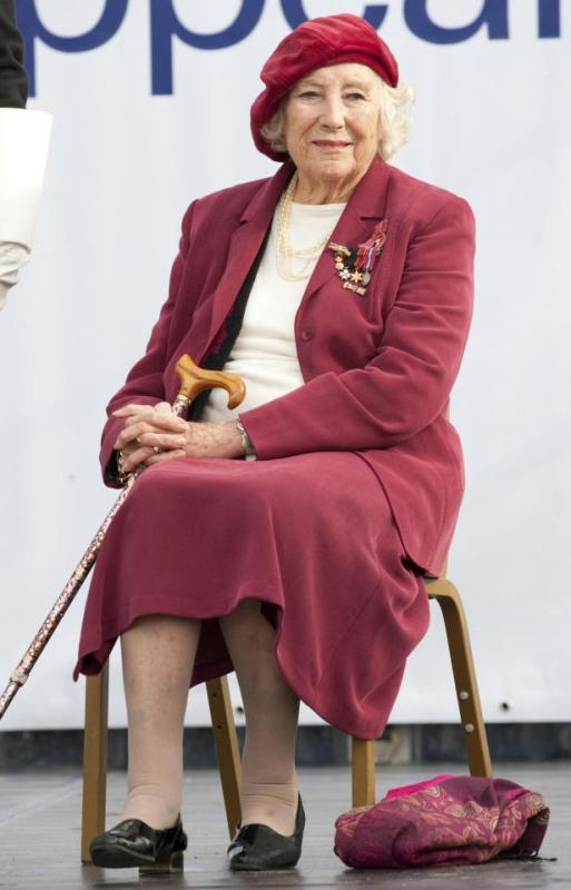 Vera Lynn Posing