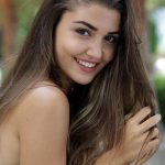 Hande Erçel Height, Weight, Age, Affairs, Husband, Family, Biography, Facts & More