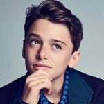 Noah Schnapp Height, Weight, Age, Affairs, Family, Biography, Facts & More