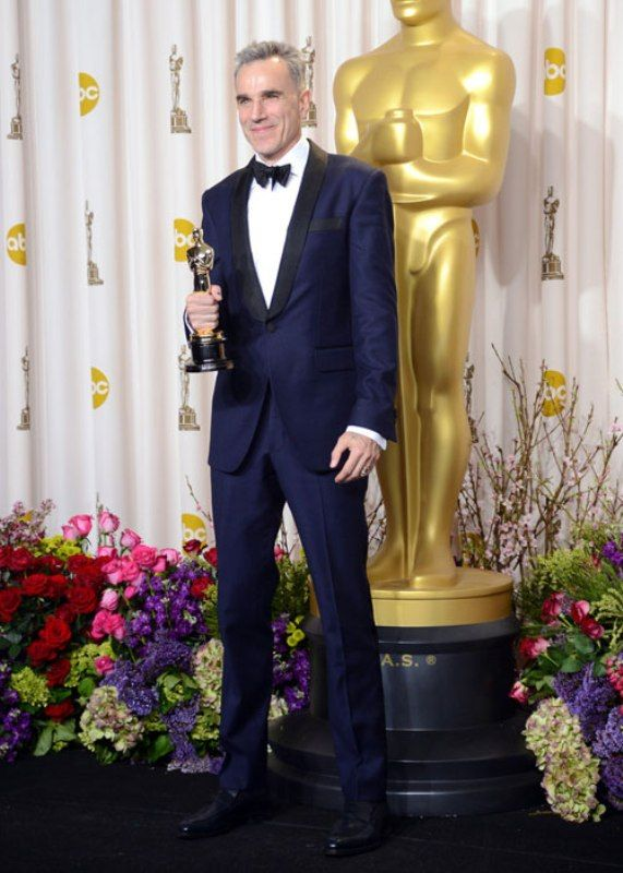 Daniel Day Lewis Posing