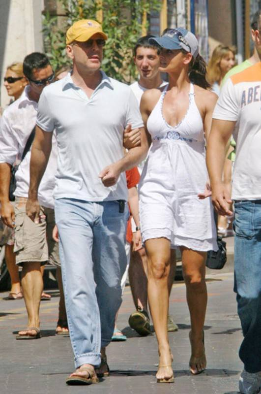 2affa594f8f39 Karen Mcdougal With Her Ex-Boyfriend Bruce Willis
