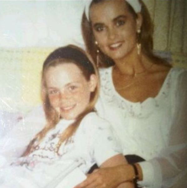 4166354445045 Karen Mcdougal With Her Younger Sister Tina