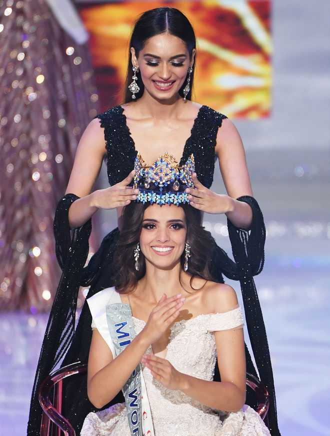 Manushi Chhillar Crowns Miss World 2018 Vanessa Ponce