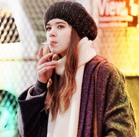 Hailee Steinfeld Smoking