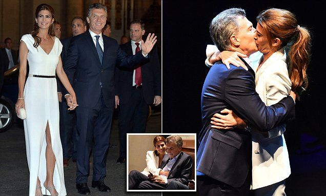 Juliana Awada and Mauricio Macri kissing