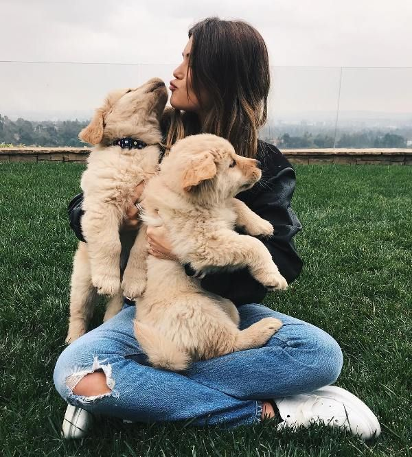 Olivia Jade with her dogs