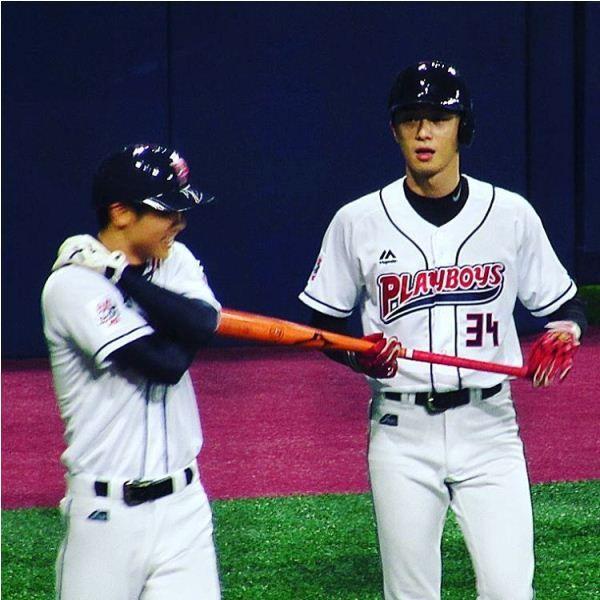 Park Seo-joon during a baseball match