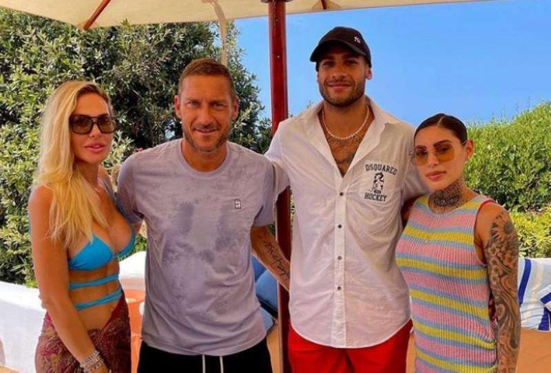 Lamont Marcell Jacobs and his wife with Francesco Totti and his wife