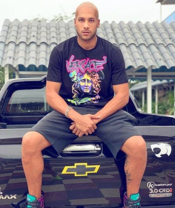 Lamont Marcell Jacobs with his Chevrolet